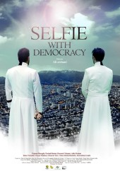 دانلود فیلم سلفی با دموکراسی با کیفیت عالی