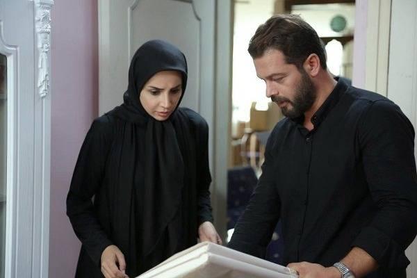 شبنم قلی خانی و پژمان بازغی در سریال بیگانه ای با من است
